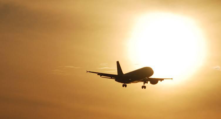 Avión volando